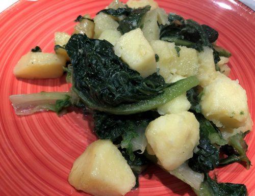 Lattuga e patate, rinfrescante e salutare