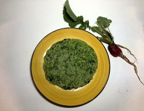 Riso con foglie di ravanelli e patate