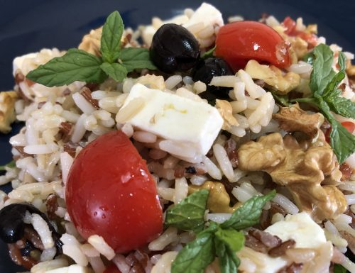 Insalata di riso misto alla greca