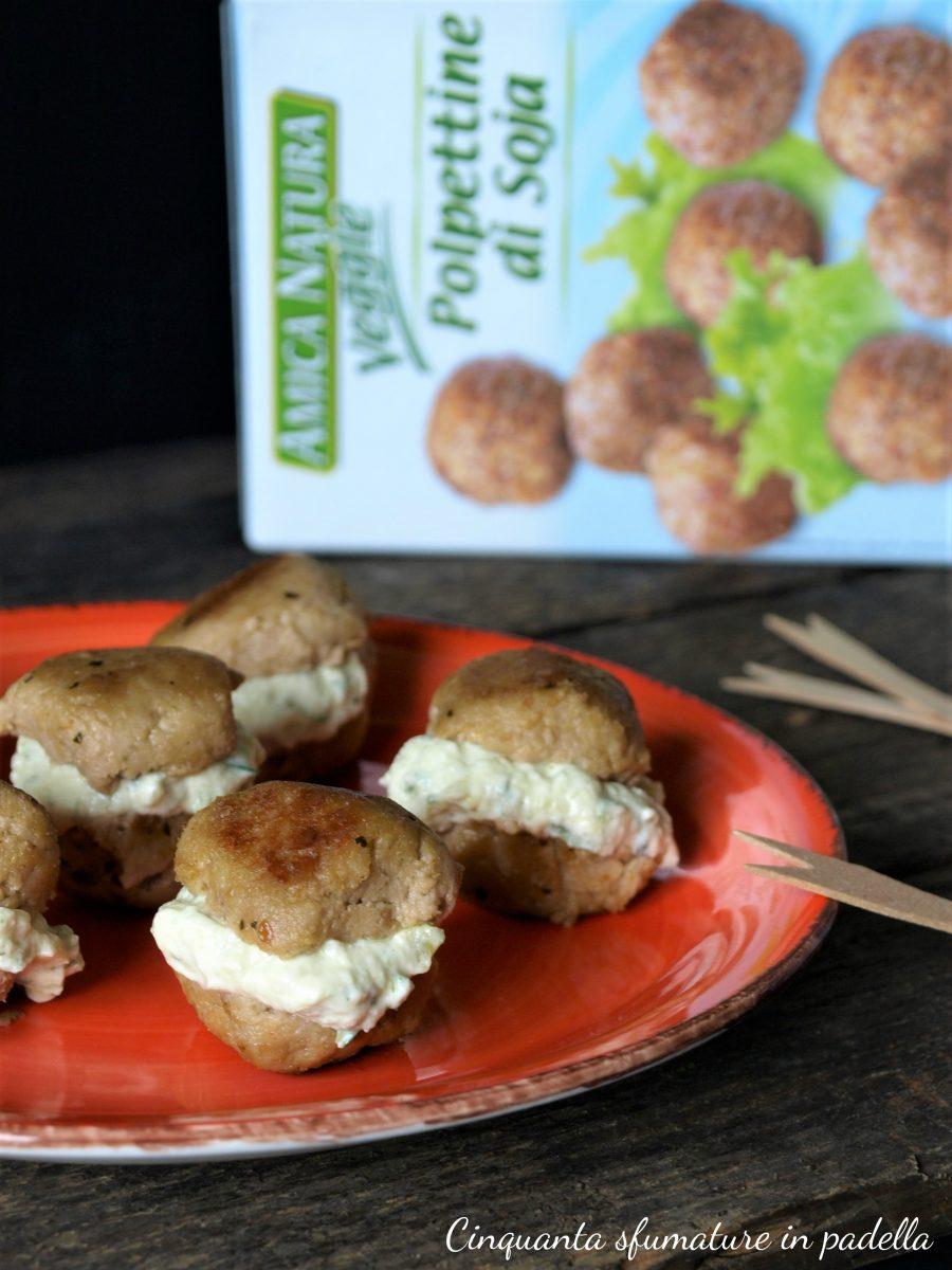 polpettine vegane farcite con mousse alle zucchine