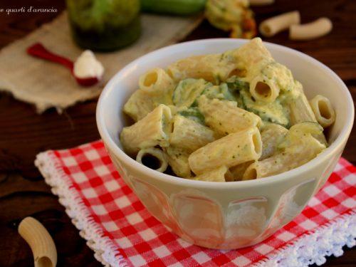 Tortiglioni zucchine pesto e philadelphia