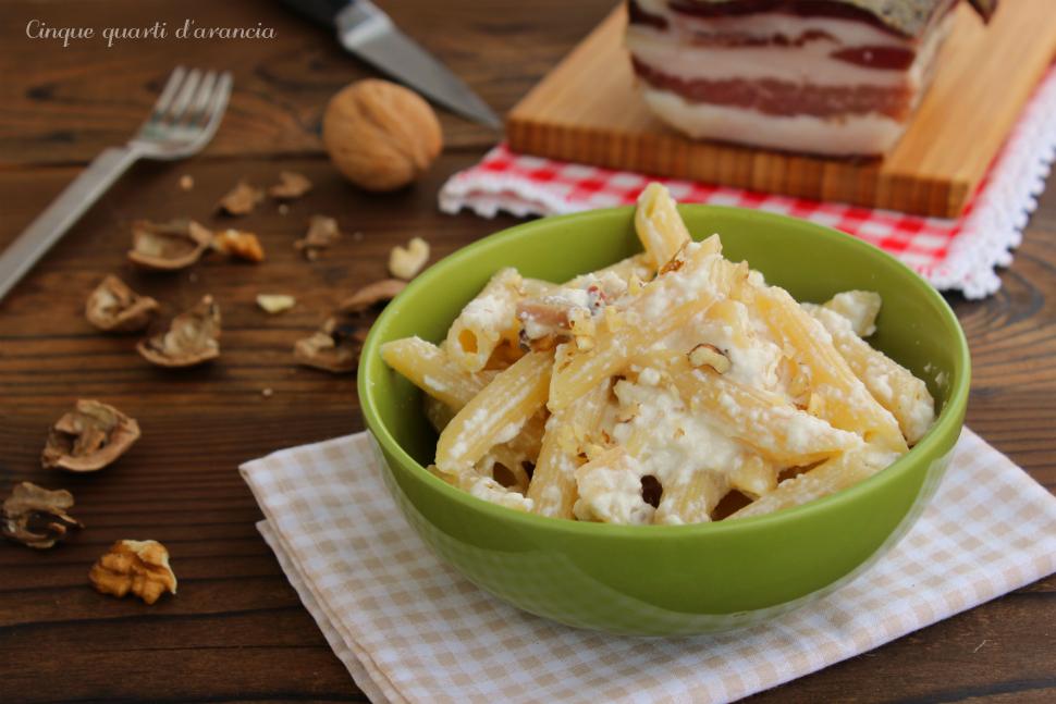 Pasta pancetta ricotta e noci