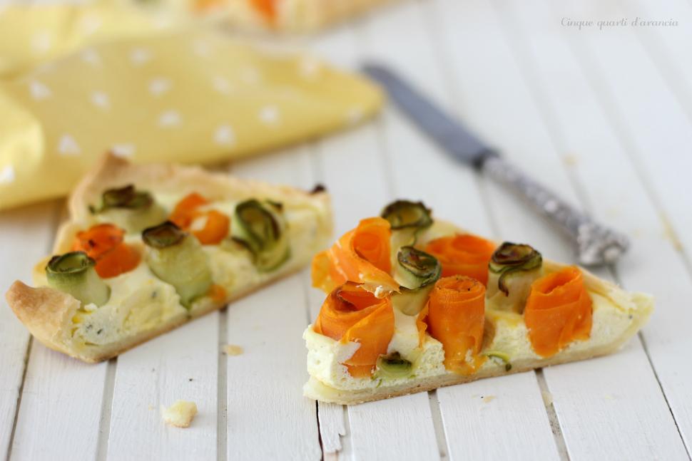 Torta salata con zucchine carote e ricotta
