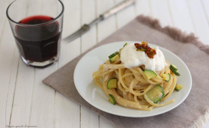 Pasta zucchine e crema di burrata