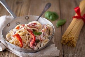 Spaghetti peperoni e ricotta