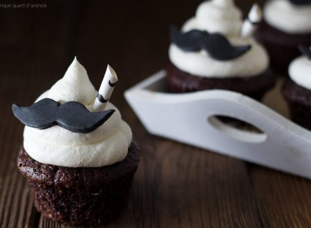 Cupcakes mustache