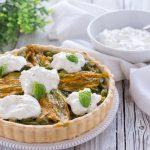 Torta salata con zucchine e burrata