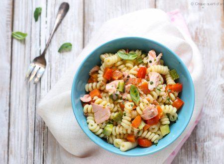Pasta fredda salmone e verdure