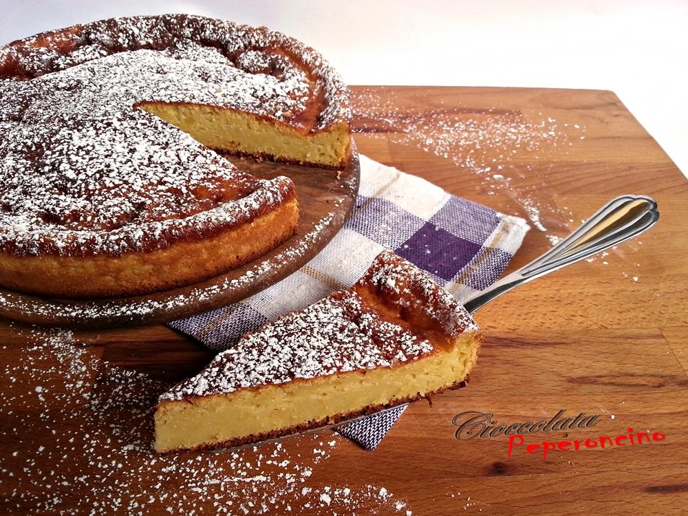 Torta cheesecake con ananas