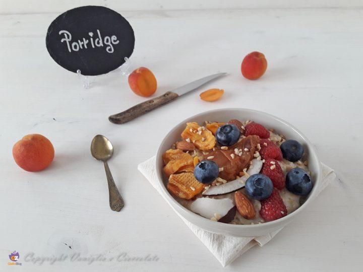 Porridge. La zuppa di avena ottima per colazione
