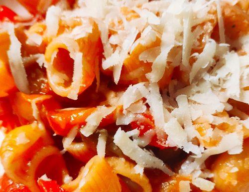 Pasta con Peperoni e Pecorino Romano