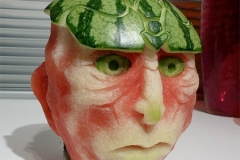 amazingwonderfulcoolfoodartwatermeloncarvingssculptures1_thumb
