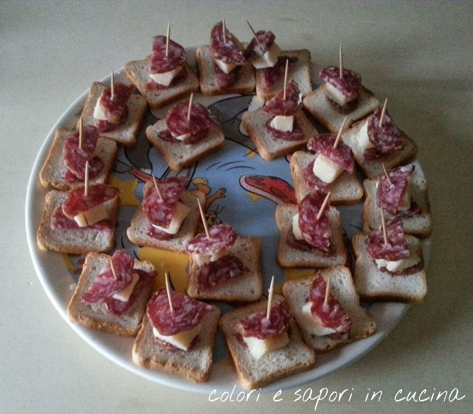 Stuzzichini salame e formaggio