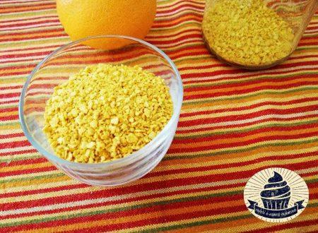 Scorzetta di arancia essiccata