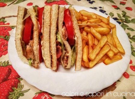 Club house sandwich, America in tavola