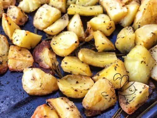 Patate al forno, croccanti e deliziose