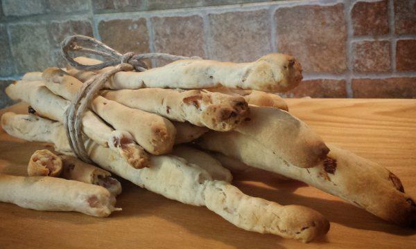 Grissini aroma scalogno e rosmarino con esubero di pasta madre