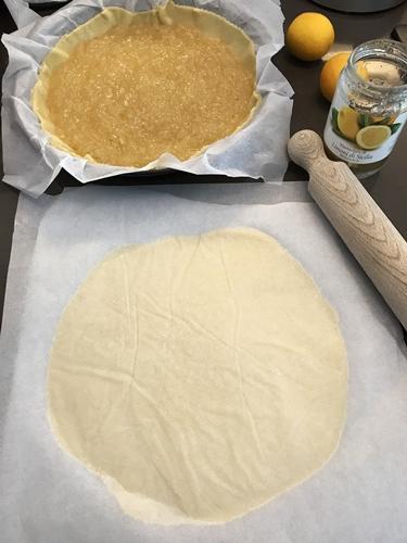 Torta farcita alla marmellata
