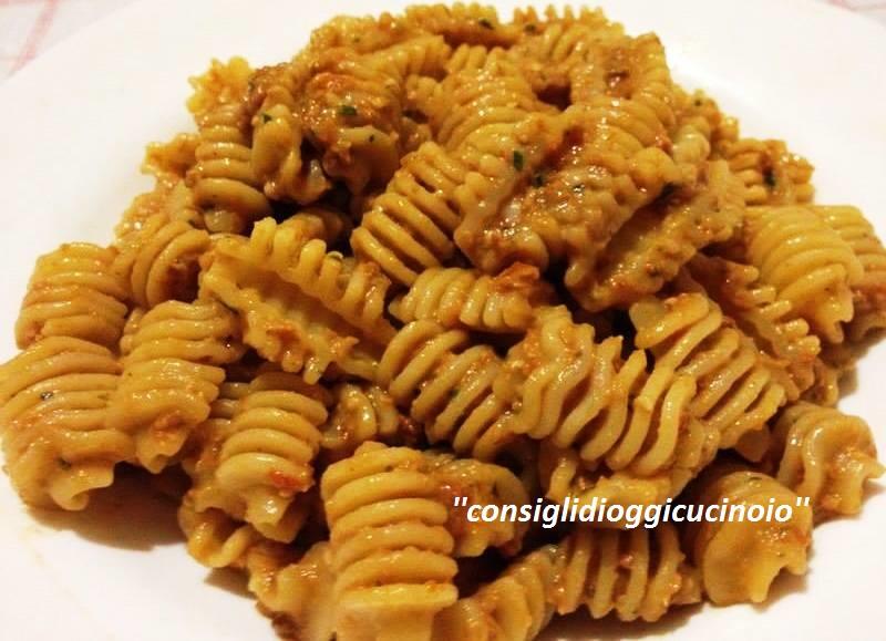 Pasta al Pesto di Pomodori Secchi e...
