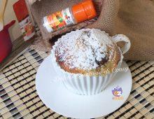 Mug cake in tazza con cioccolato
