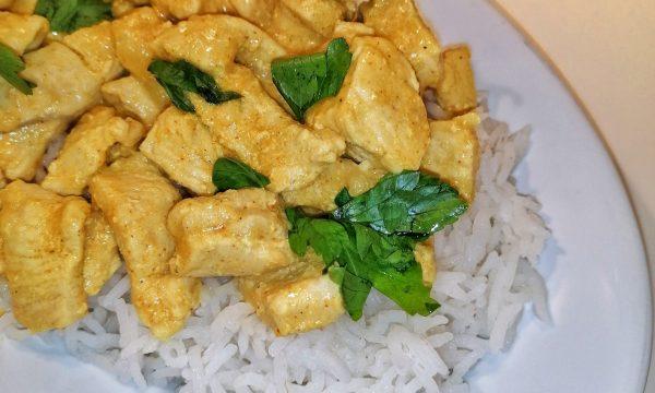 Riso pilaf con pollo al curry