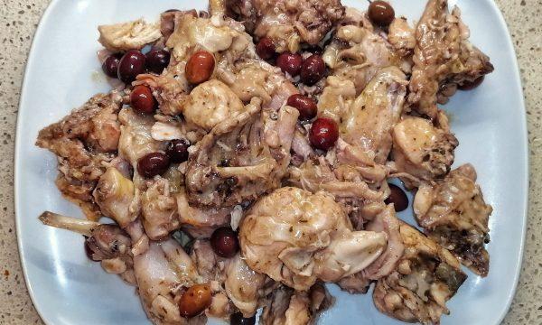 Spezzato di coniglio con olive di Gaeta