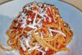 Spaghettoni con pomodorini e scaglie di ricotta salata