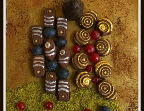 Cioccolatini ai frutti di bosco e pistacchio al bacio (di Klimt)