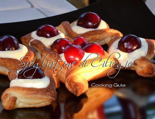 Sfogliatine di ciliegie con crema chantilly