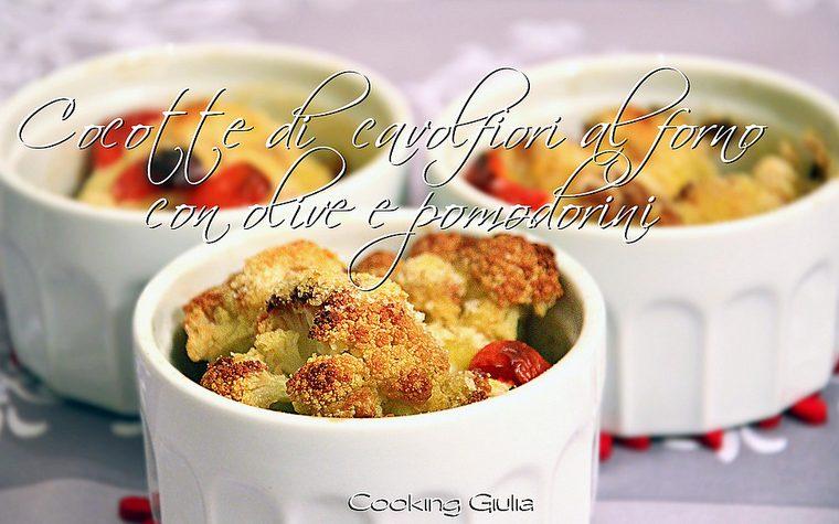 Cavolfiore al forno con pomodorini e olive