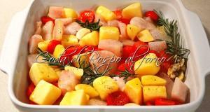 Coda di rospo al forno con patate e pomodorini
