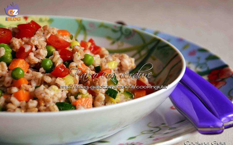 Farro con verdure croccanti, ricetta vegetariana