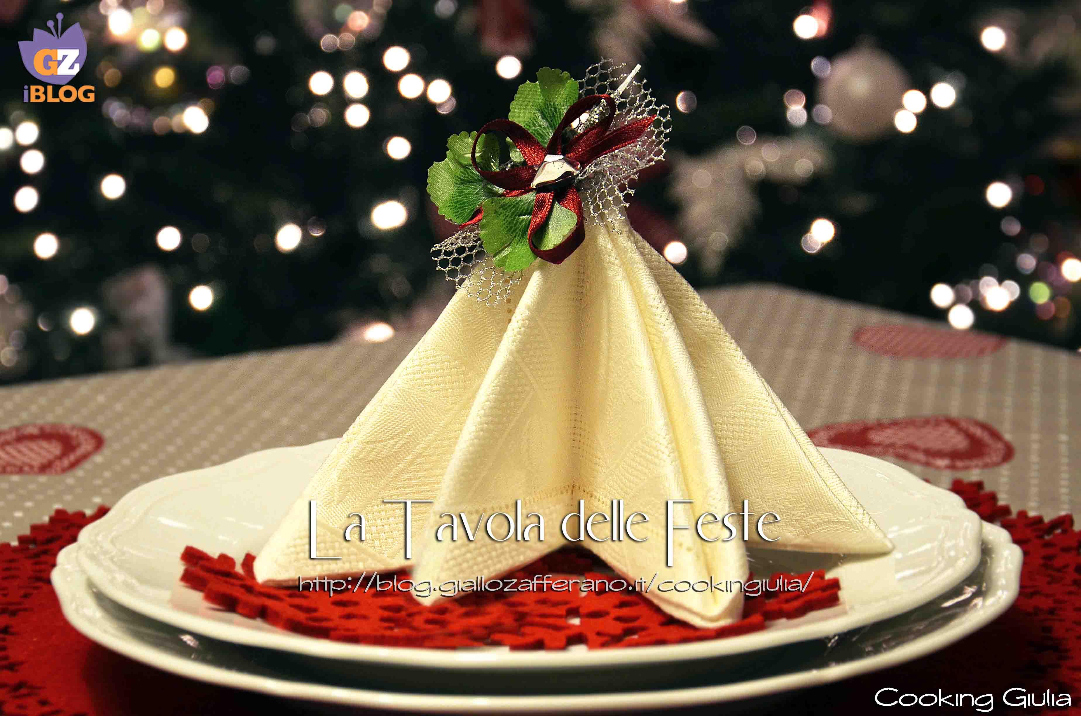 Piegare tovaglioli ad albero di natale tavola delle - Decorazioni con fazzoletti di carta ...