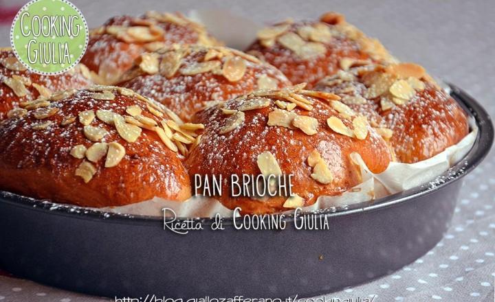 Pan brioche con le mandorle