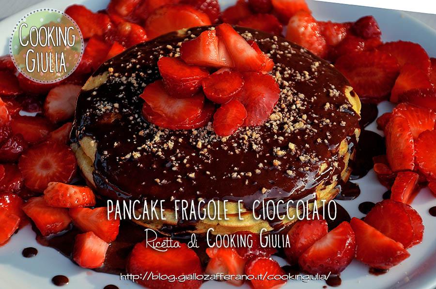 pancake fragole e cioccolato