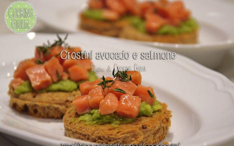 Crostini avocado e salmone affumicato al timo