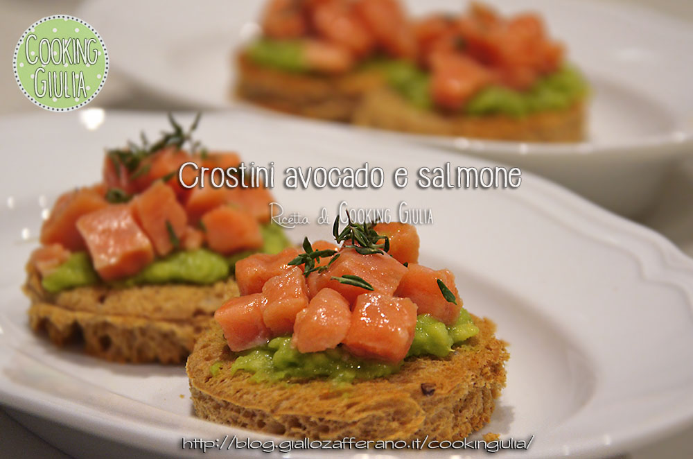 crostini avocado salmone