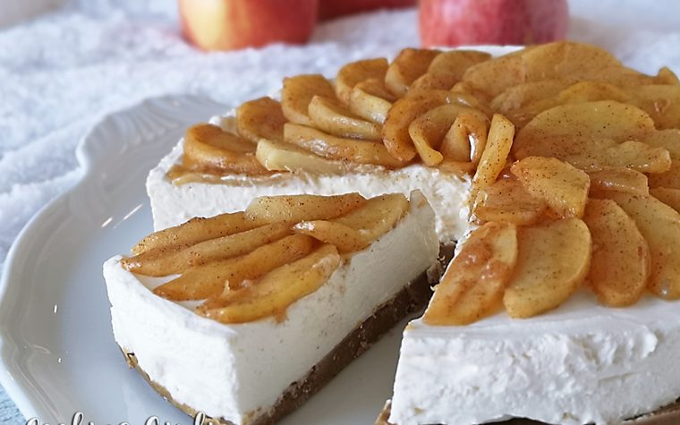 Cheesecake alle mele caramellate