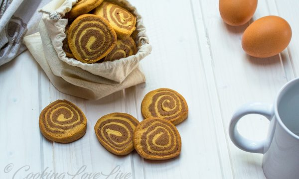 Biscotti girella cioccovaniglia