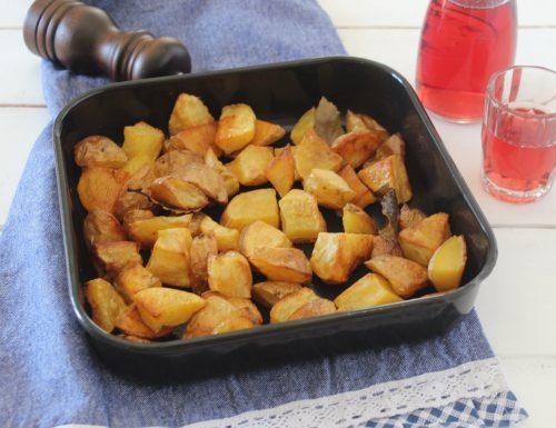 Patate al forno con la buccia