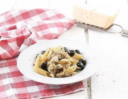 Pasta con crema di carciofi e olive