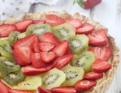Crostata di frutta fresca con crema pasticcera