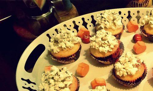 Cupcakes alla vaniglia con popcorn