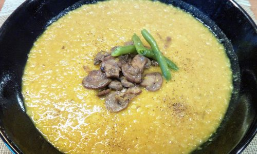 Zuppa di lenticchie rosse alla curcuma