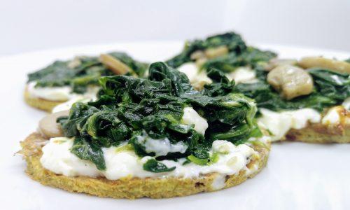 Bruschette di frittata con spinaci e funghi