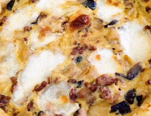Torta salata salsiccia funghi e patate