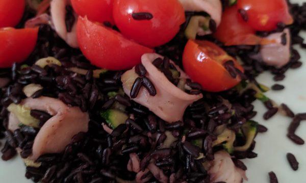 Riso venere con calamari e verdure
