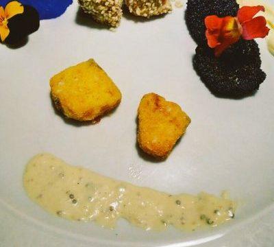 Tris di tonno con impanature croccanti,  mayonnaise all'arancia e alla senape