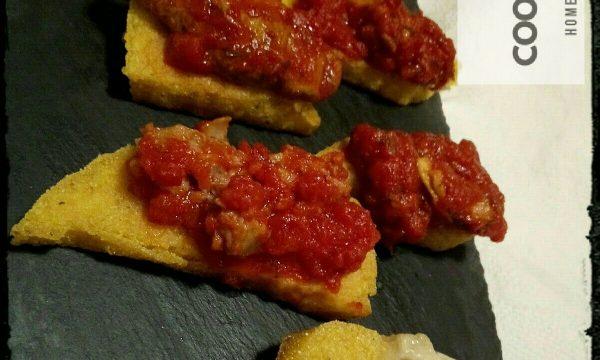 Mini Tapas di polenta, ovvero: come organizzare la cena con gli avanzi del pranzo!