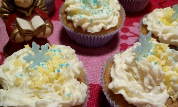 Cupcakes Natalizi con frosting di Mascarpone e Philadelphia